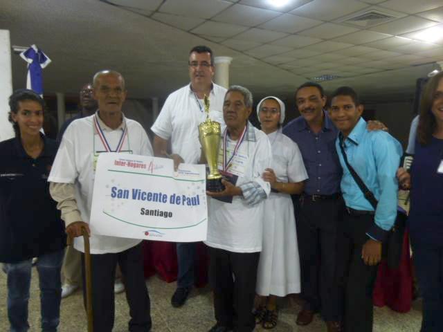 Con orgullo y satisfacción Ejecuivos de NTD Ingredientes con ganadores del 1er. lugar junto a la Hna. Nidia Beatriz, Yunio y Gabriel. Enhora buena!!!