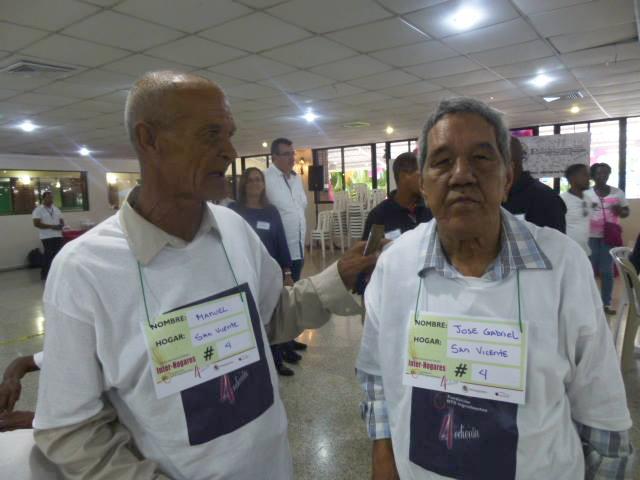 Representación del Hospicio San Vicente de Paúl de Santiago. Gabriel Martínez y Manuel Mejía (Manolo). En el Club Naco en Santo Domingo. Sábado 9 de agosto de 2014.
