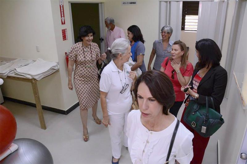Ejecutivos de la Fundación visitan instalaciones del Centro de Terapia.